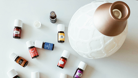 Essential Oils with a Diffuser | Pros and Cons of Essential Oils